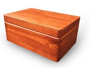 Holzkiste mit Deckel